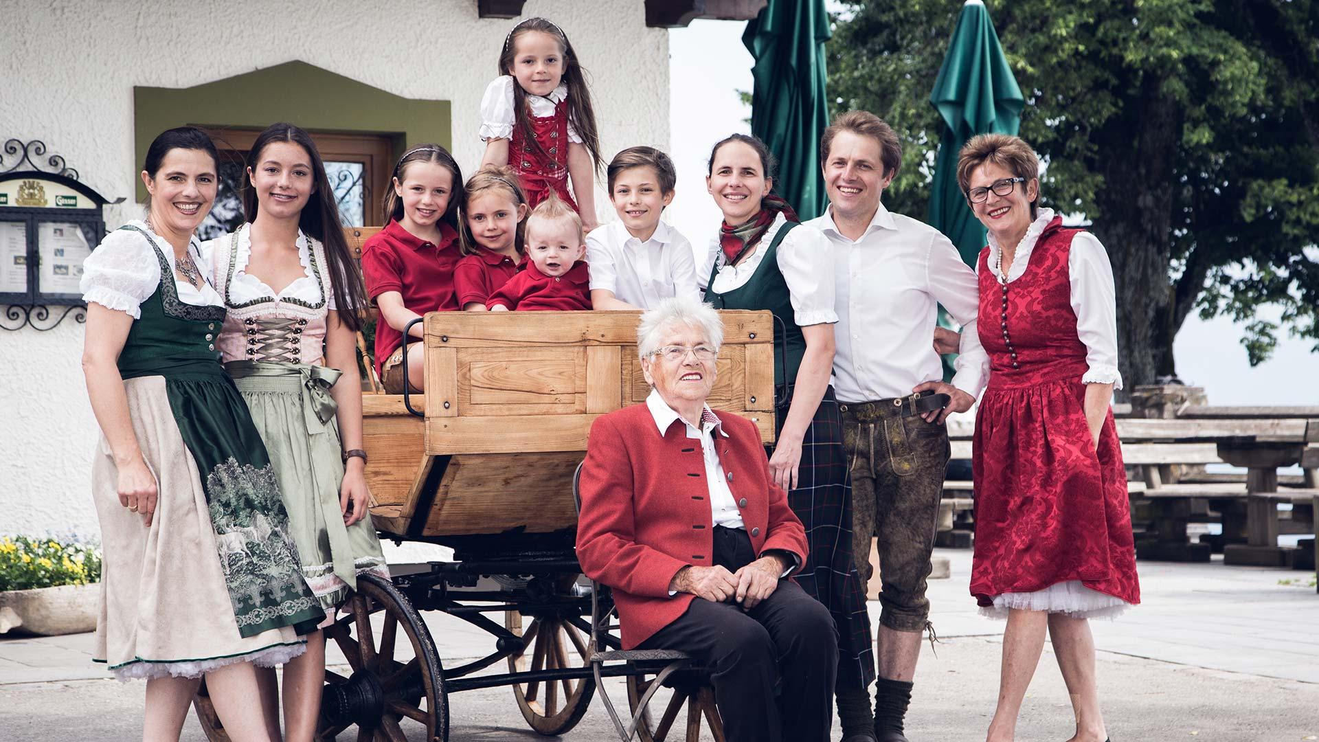 Gipfelhaus-familie-bild