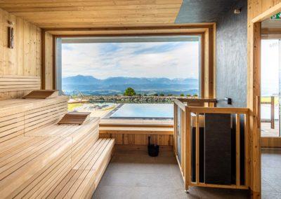 gipfelhaus-magdalensberg-sauna-mit-blick